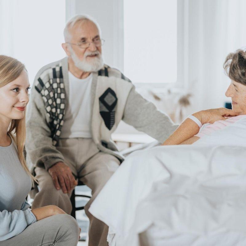 Pflegekräfte und Angehörige: Konflikte vermeiden