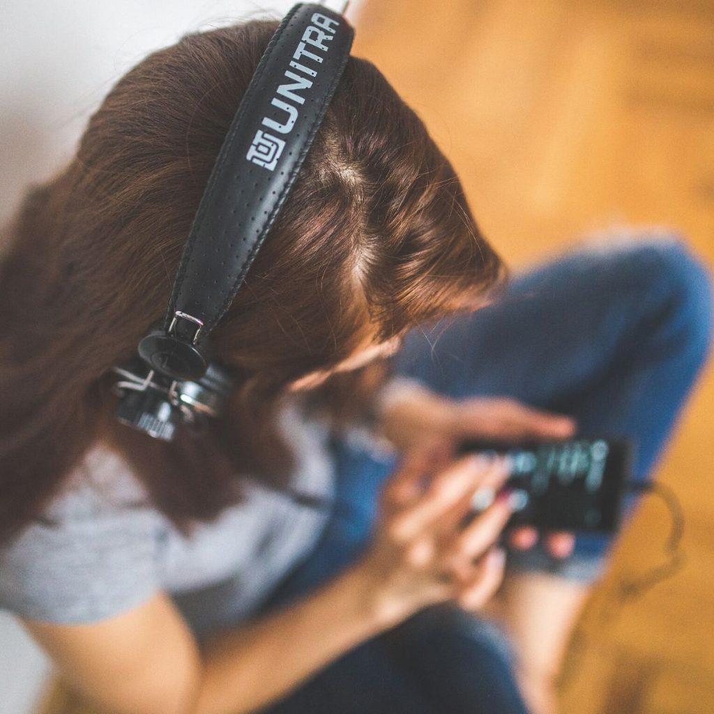 Ohren auf: Pflege-Podcasts sind der neue Trend