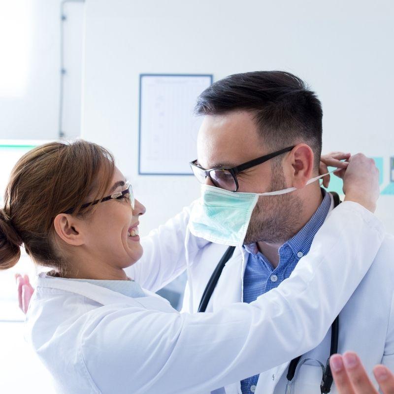 Pflege: Kann Liebe am Arbeitsplatz funktionieren?