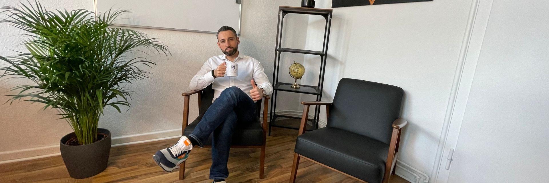 Igor Krasevic in seinem Büro